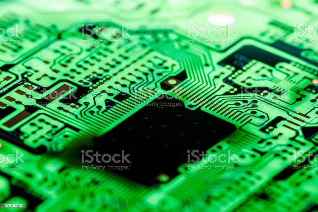 Gros plan des Circuits électroniques en technologie sur fond de carte mère (carte principale, carte mère cpu, carte logique, carte système ou mobo) photo libre de droits
