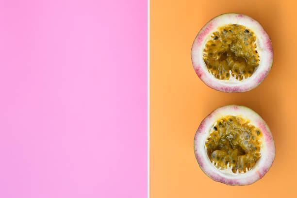 close up of fresh purple passion fruits – zdjęcie
