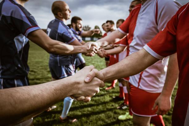 Enge gute Sportlichkeit auf dem Feld – Foto