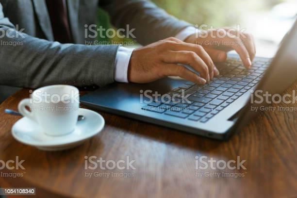 Close up of hands on laptop picture id1054108340?b=1&k=6&m=1054108340&s=612x612&h=vmvqckutkrejbboaf4l6xu4zp0rltvxlk7f55pzupww=