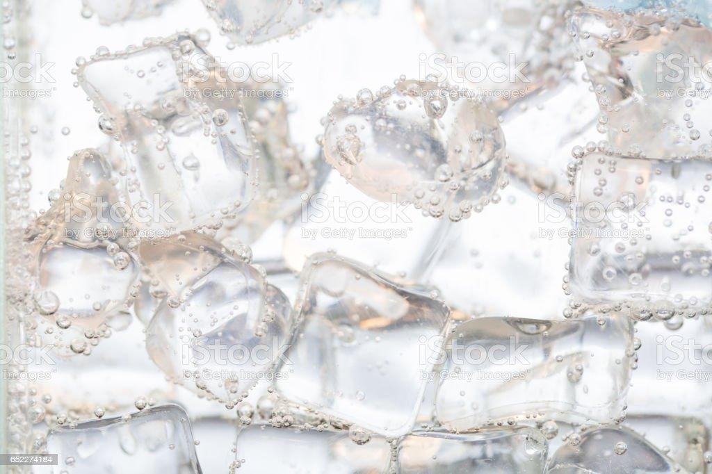 アイスキューブのクローズアップの水 ストックフォト