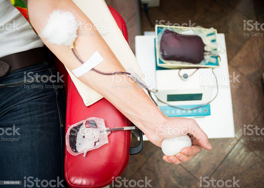 Nahaufnahme des Mannes hand auf Blut spende – Foto