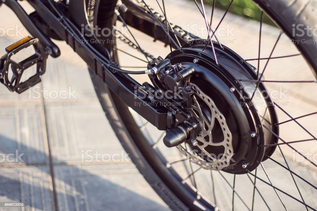 Cerca de moto eléctrica - foto de stock