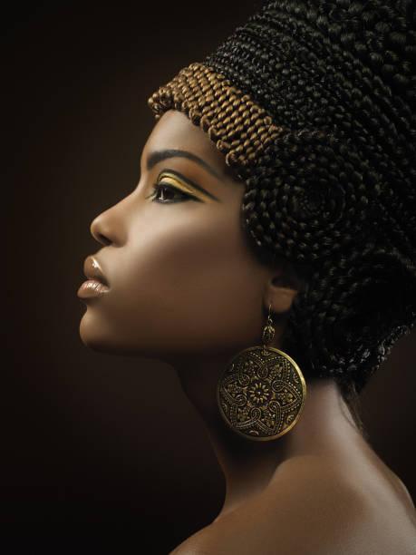 nahaufnahme von nefertity - ägyptisches make up stock-fotos und bilder