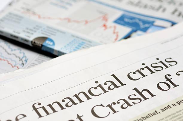 financial krise schlagzeilen - verzweiflung stock-fotos und bilder