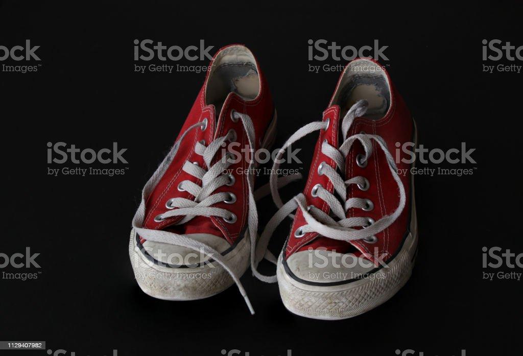 Nahaufnahme Von Sneaker Rotweiße Vintage Abgenutzte Schuhe
