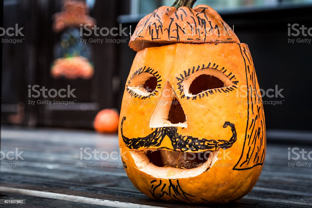 Close up of Pumpkin carved and decorated for Halloween foto stock royalty-free