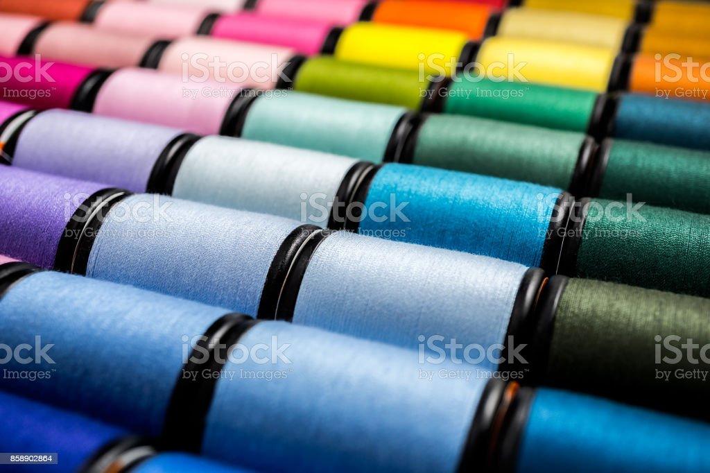 cierre de hilos de coser - foto de stock