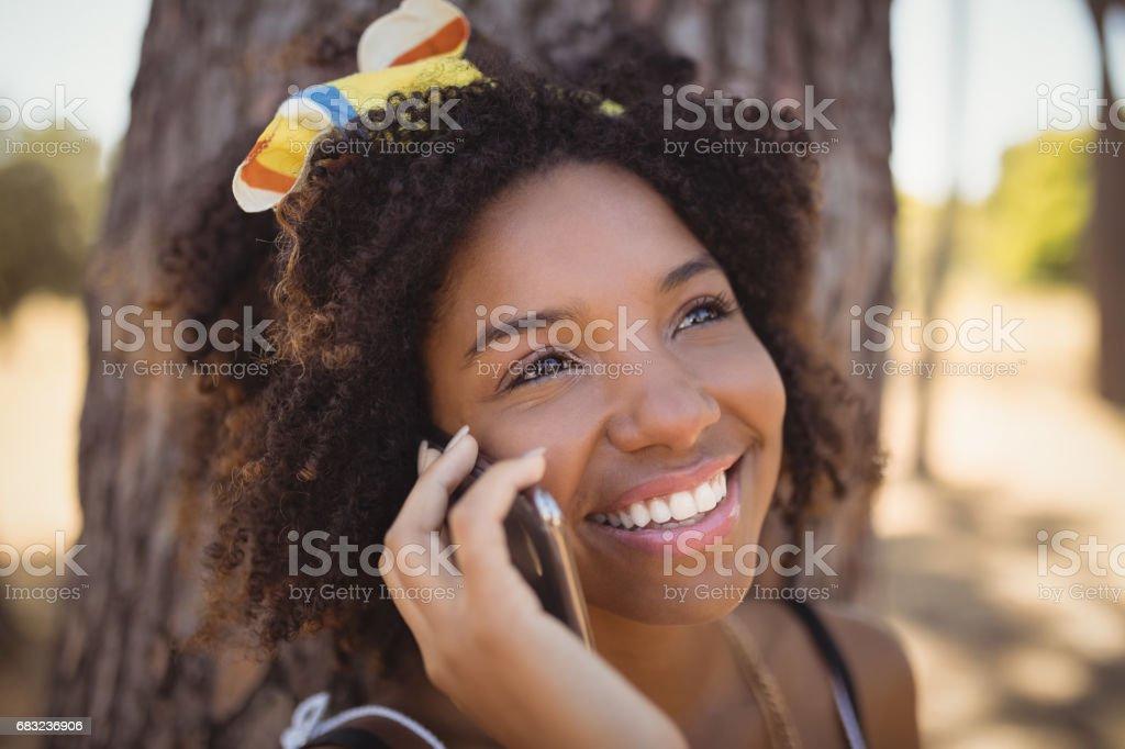 淺談智慧手機的女人的特寫 免版稅 stock photo