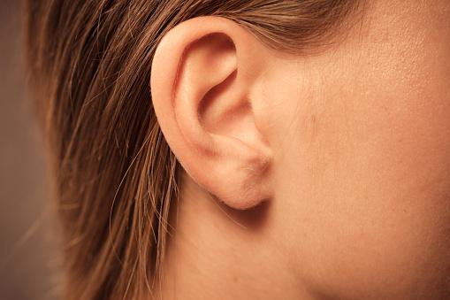 Cara Mengobati Telinga yang Kemasukan Air