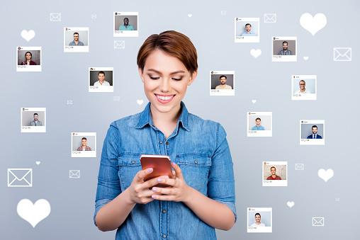 dating for de over 60 en flørtende nettside for single sms dating su