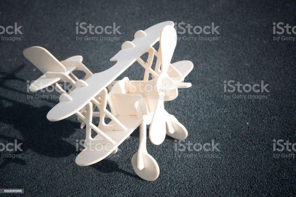 Nahaufnahme Foto von Holzspielzeug airplan – Foto