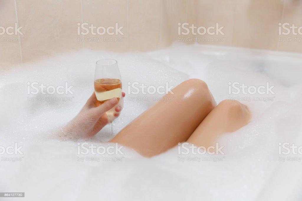Sexy badewannen-fotos nackt
