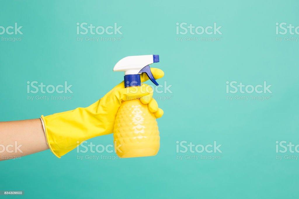 Nahaufnahme Bild eines Haus-Reinigung Spray auf blauem Hintergrund – Foto