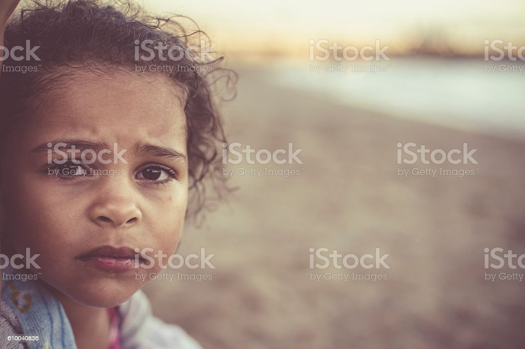 Close Up Portrait Child (4-5) at The Beach – Foto