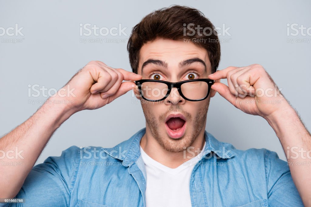 7def333171d Close Up Portrait Of Astonished Shocked Attractive Guy Holding ...