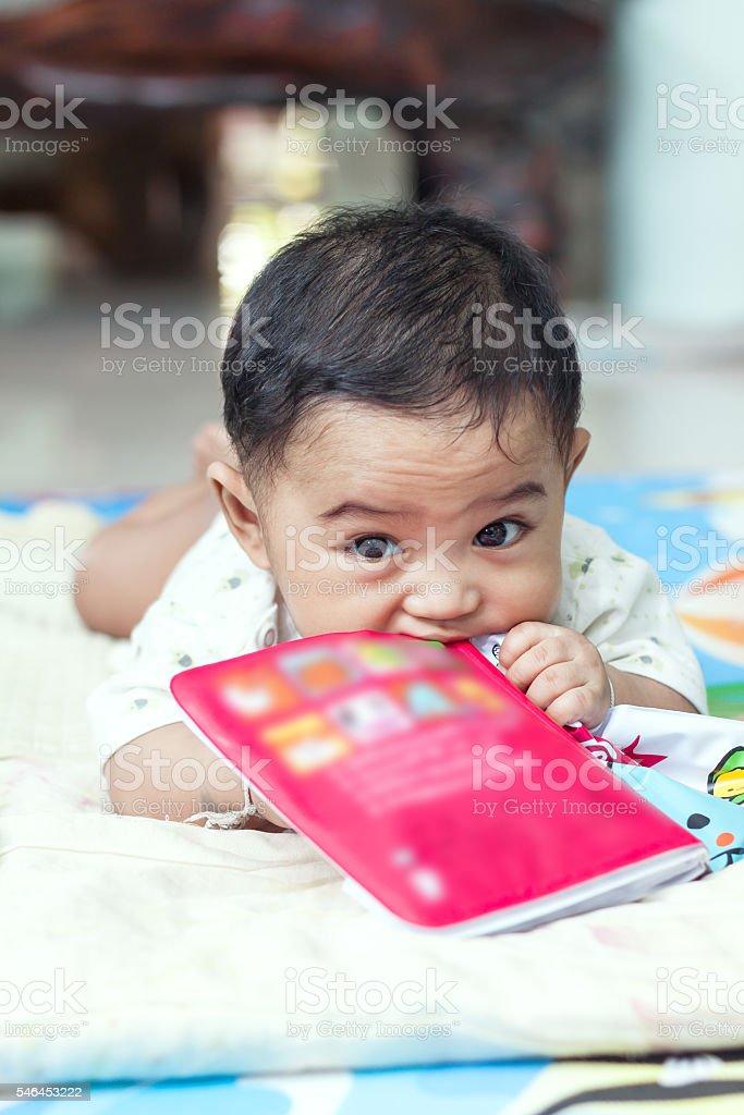 Nahaufnahme Porträt von kleinen niedlichen baby  – Foto