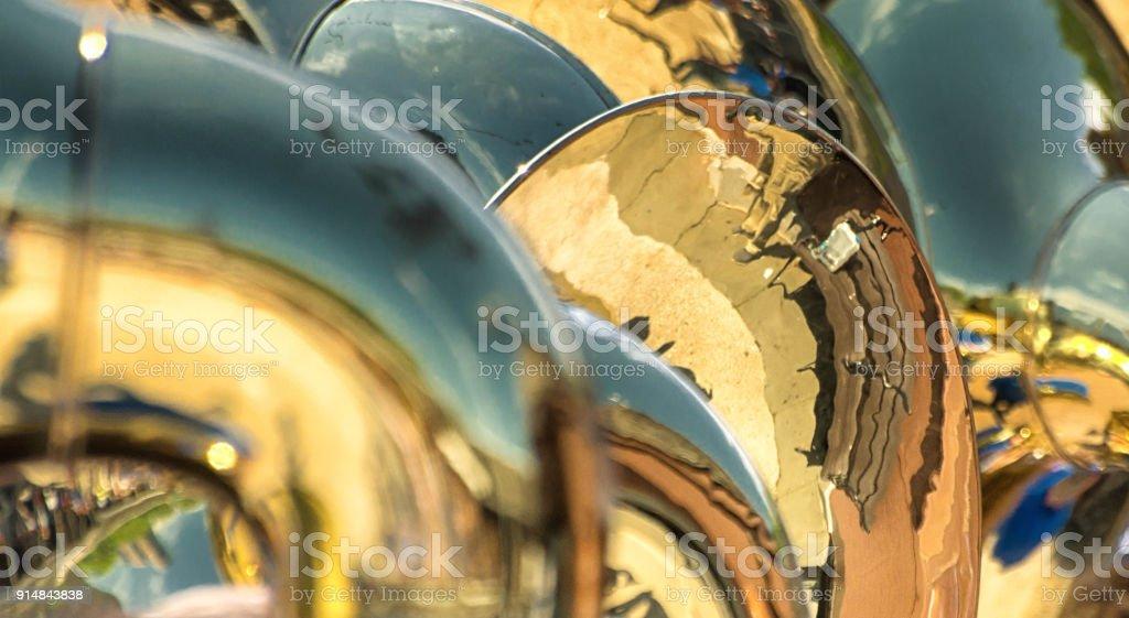 Reflexionen im Blechblasinstrumenten hautnah – Foto