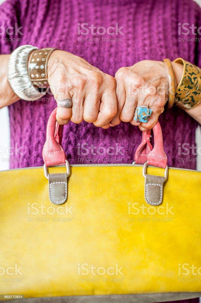 Senior Photo Femme Libre Plan Gros Droit Ridée Main De cFTu1Jl5K3