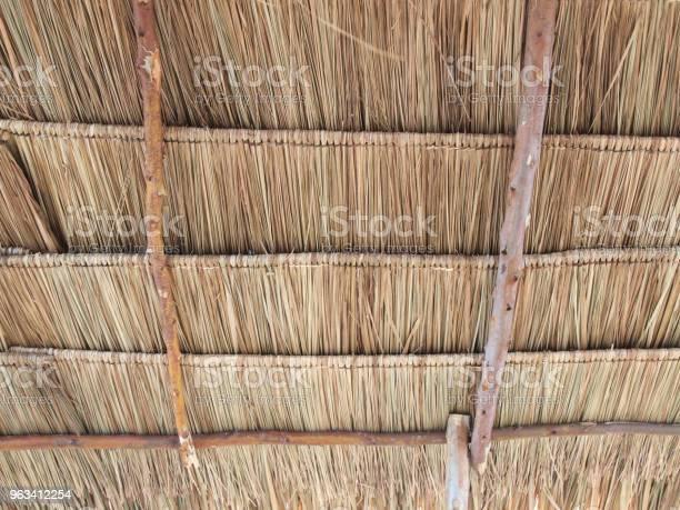 Zamknij Tło Słomy Tekstura Dachu Strzechy - zdjęcia stockowe i więcej obrazów Architektura