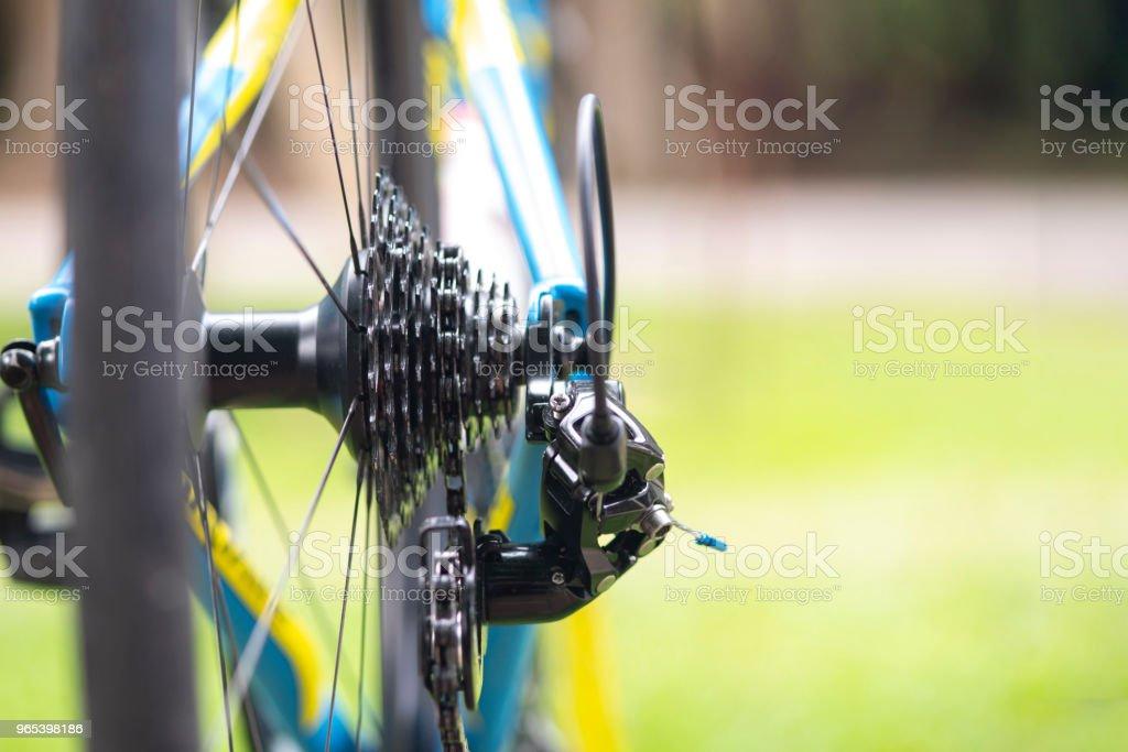 把自行車的鏈條關上。 - 免版稅一組物體圖庫照片