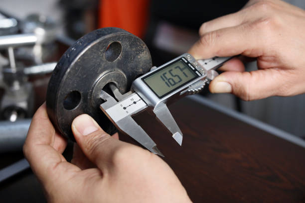 close up view of flange internal diameter measurement with digital vernier caliper micrometer. a micrometer, sometimes known as a micrometer screw gauge, is a device incorporating a calibrated screw. - diameter stock pictures, royalty-free photos & images