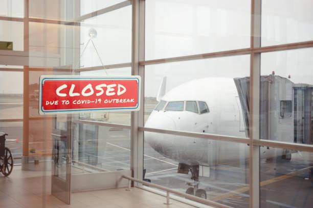 stängd flygplats på grund av koronaviruspandemin - grundstött bildbanksfoton och bilder