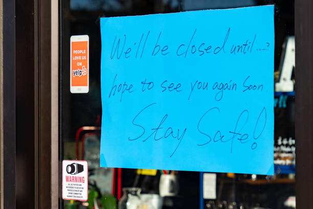 주 정부의 사회적 분리 명령으로 인해 다운타운 비즈니스 폐쇄 - 닫은 뉴스 사진 이미지