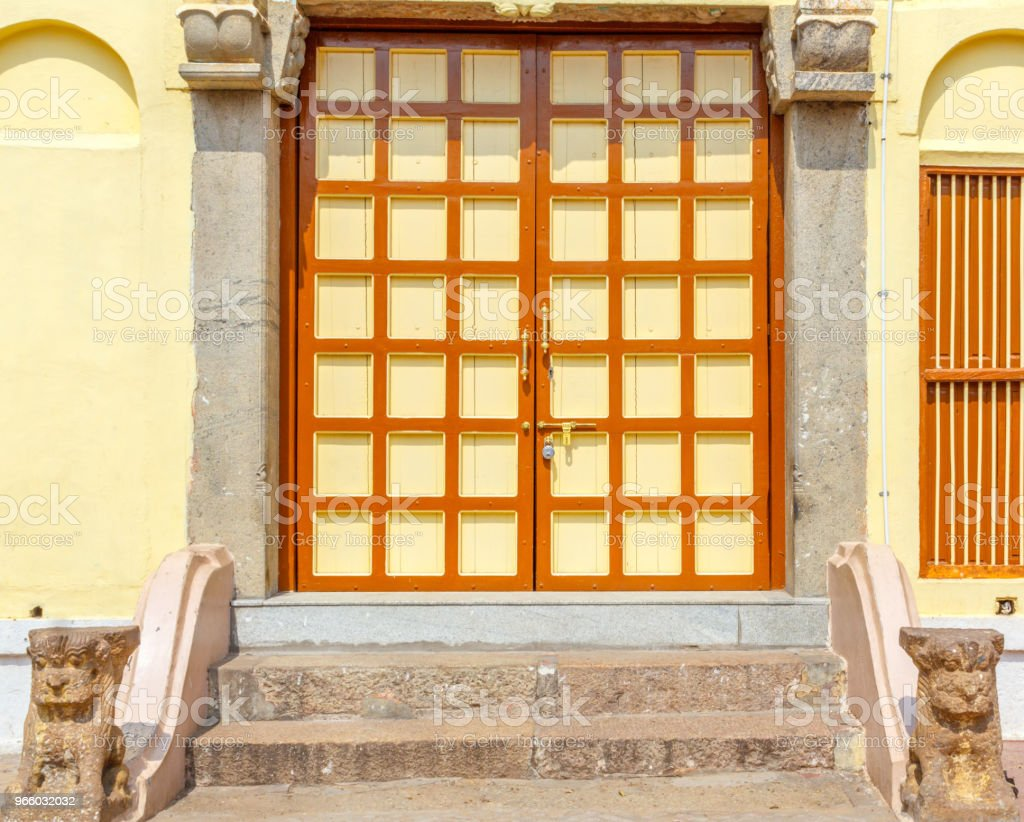 Hindu-Tempeltür geschlossen - Lizenzfrei Architektur Stock-Foto