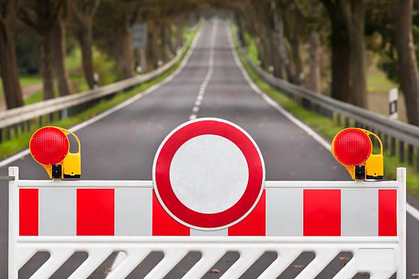 Cerrado carretera - foto de stock
