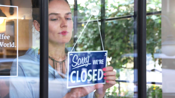 closed sign in a coffee shop - closed stock pictures, royalty-free photos & images