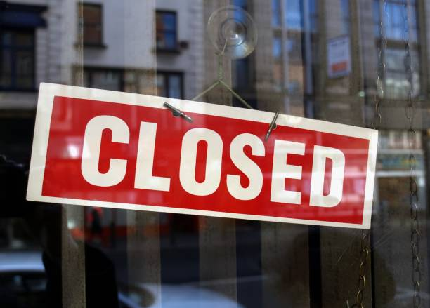 closed sign in shop window - closed stock pictures, royalty-free photos & images