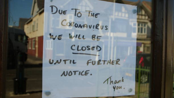 Closed sign in window due to Coronavirus pandemic Independent shop closed until further notice in window due to the COVID 19 coronavirus pandemic, bars, cafes, restaurants, clubs all shut cause of this international crisis closed stock pictures, royalty-free photos & images