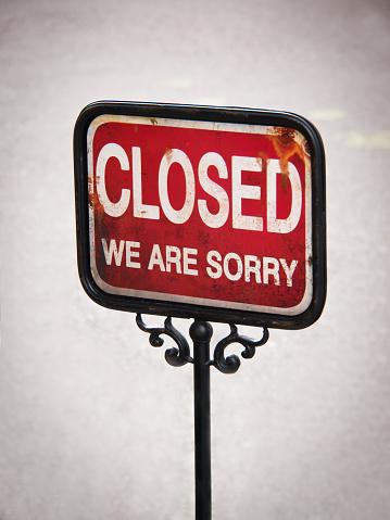 istock closed sign 474627462
