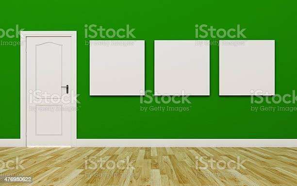 Geschlossene Weiß Tür In Der Grünen Wand Drei Leere Poster Stockfoto und mehr Bilder von 2015