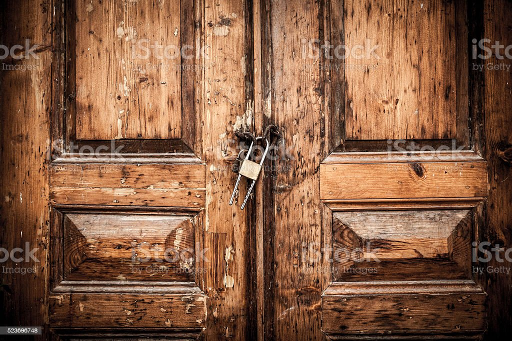 Closed Wood Door stock photo & Royalty Free Closing Door Pictures Images and Stock Photos - iStock