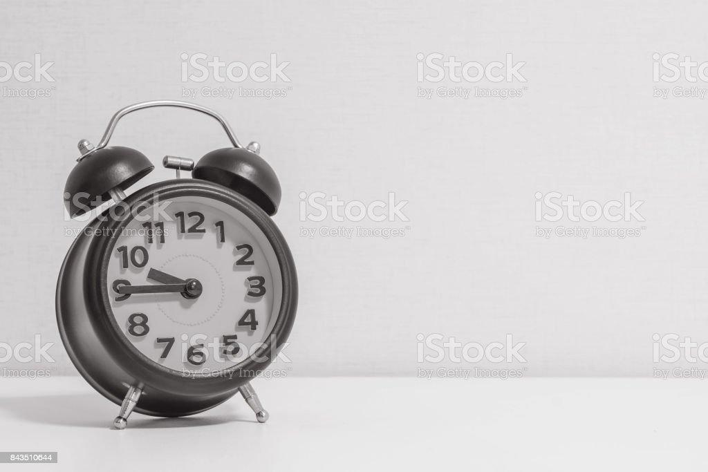 Closeup réveil pour décorer montrent un quart à ou blanc