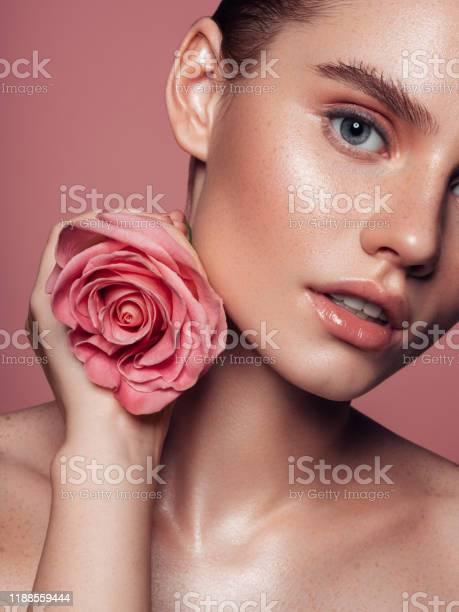 Closeup beautiful girls face portrait picture id1188559444?b=1&k=6&m=1188559444&s=612x612&h=orbl7e07ynjujs3ebmpdjdyh7p19qxhfzsokqr1oahq=