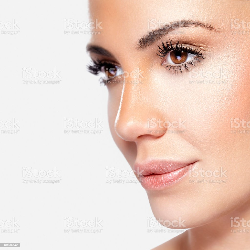 Gros plan, plan de beauté d'un souriant, beau brunette femme - Photo
