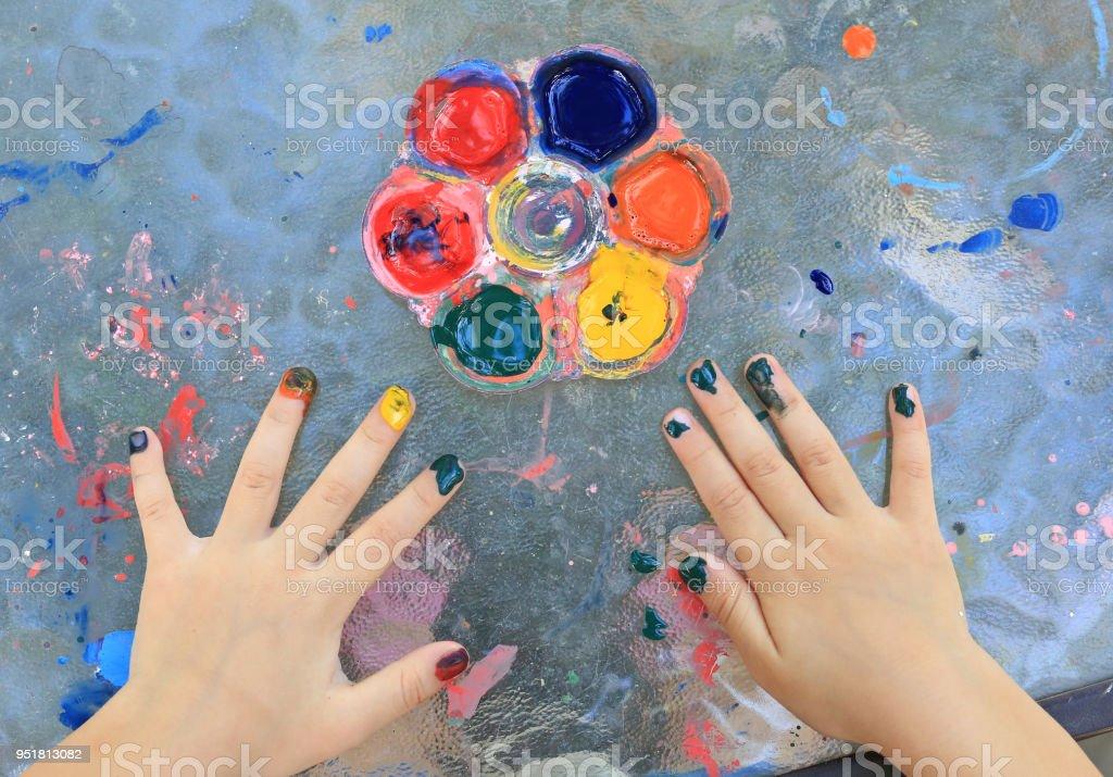 Unha da menina criança close-up pintura de aquarela. - foto de acervo