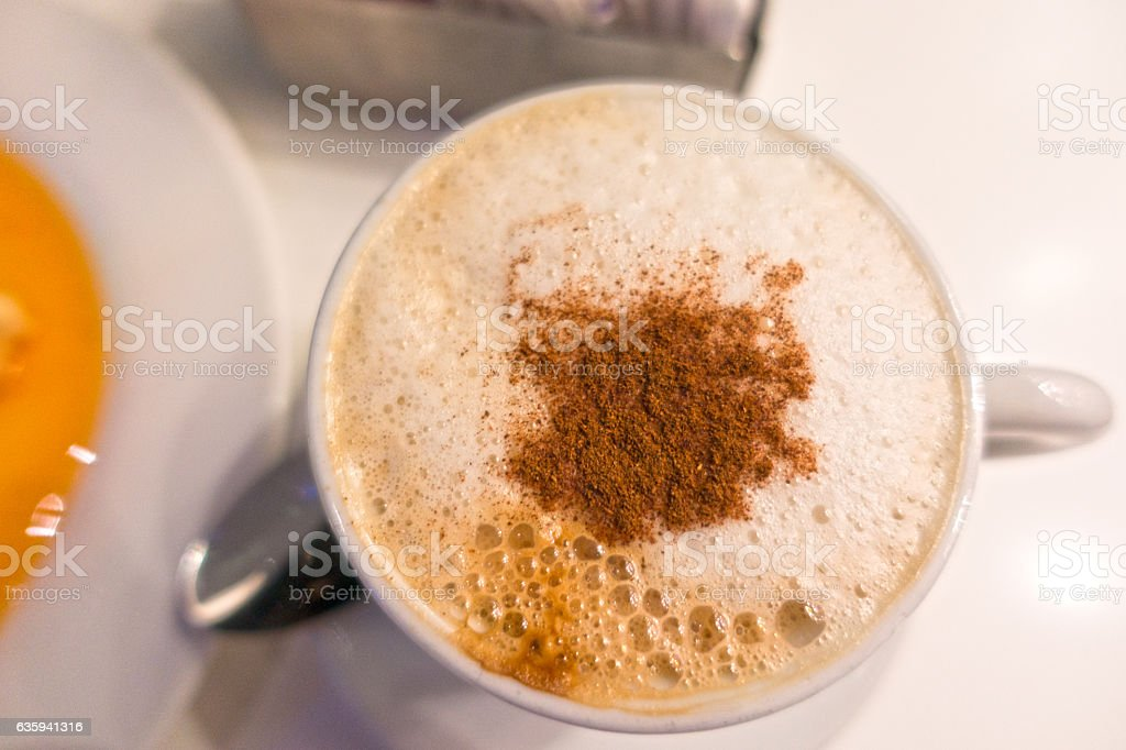Closeup Cup of Cappuccino Coffee - foto de stock