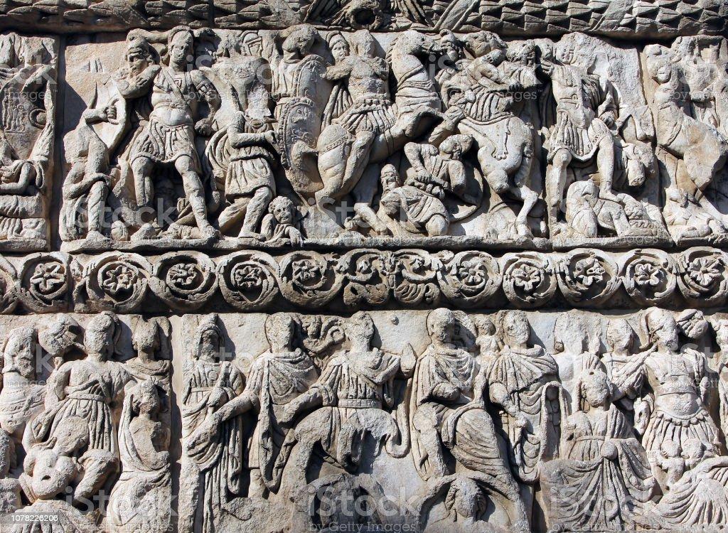 Close-up detail van de boog van Galerius of Kamara in de stad van Thessaloniki, Griekenland foto