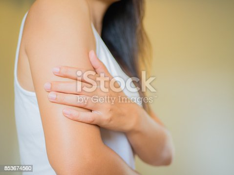 istock Closeup female's arm. Arm pain and injury. Health care and medical concept. 853674560