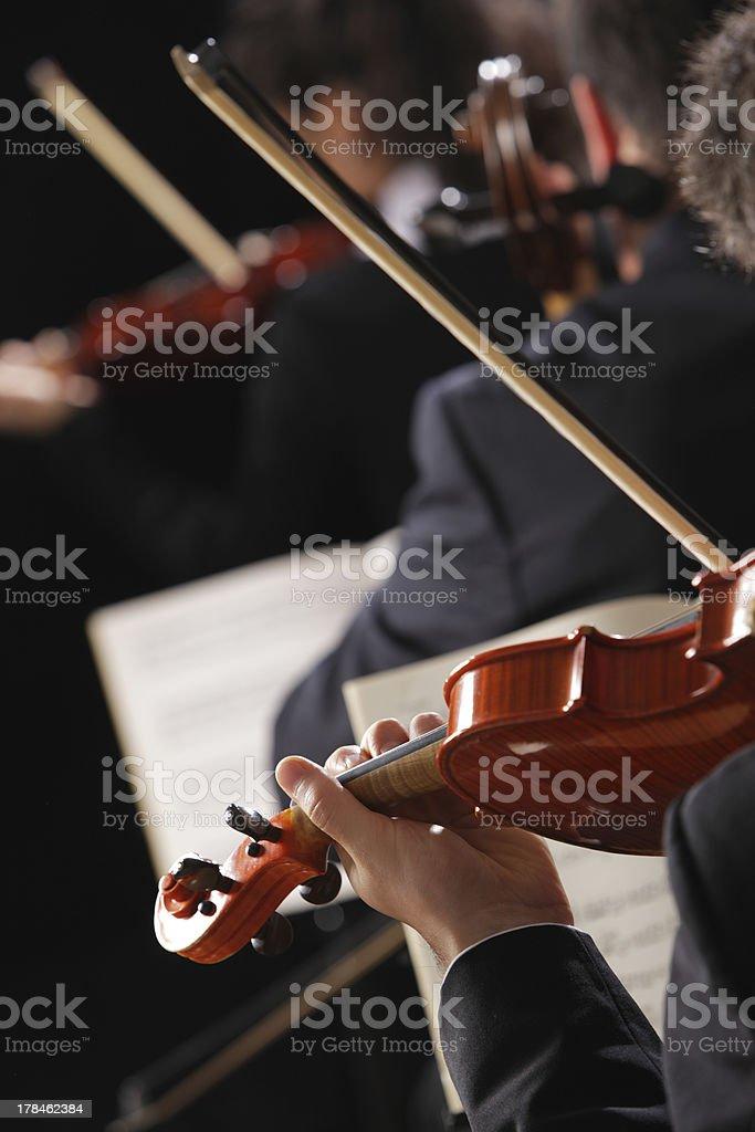 Klassische Musik. Violinists in concert Lizenzfreies stock-foto