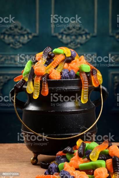 Closeup gummy halloween candy in cauldron picture id865370004?b=1&k=6&m=865370004&s=612x612&h= zaqhlxaumqoecqbyrthwkewwzdq7qjutopmqm 3cws=