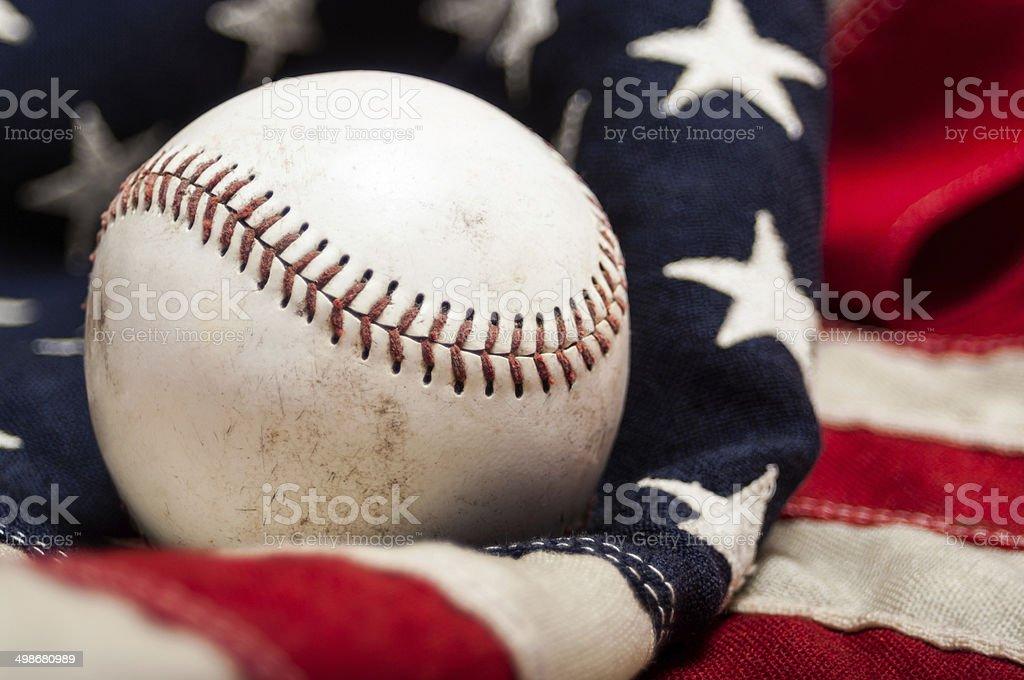 Close-up de um campo de beisebol em uma bandeira americana - foto de acervo