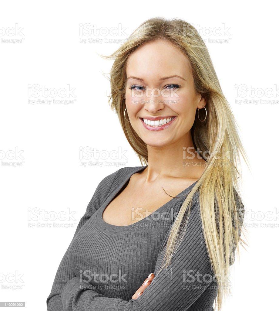 Nahaufnahme einer schönen jungen Frau lächelnd auf weißem Hintergrund – Foto