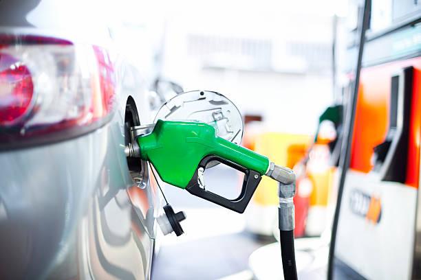estación de gas - echar combustible fotografías e imágenes de stock