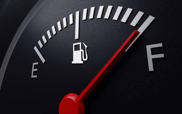 un primer plano del indicador de combustible de un coche. renderizado 3d - lleno fotografías e imágenes de stock