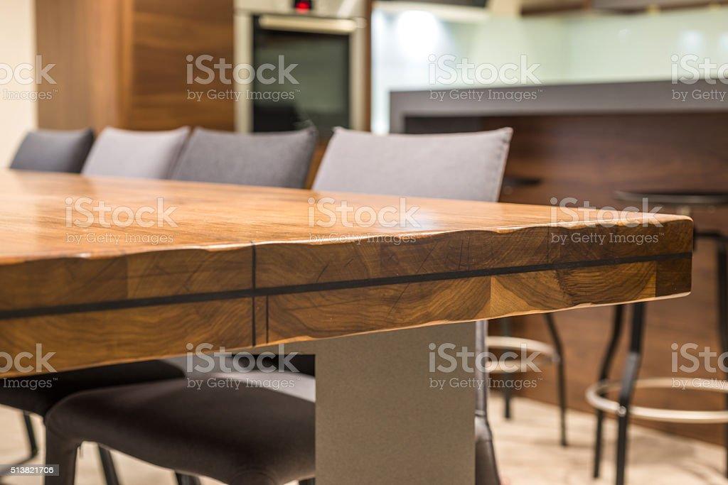 Primer plano de una mesa en esquina de lujo - foto de stock